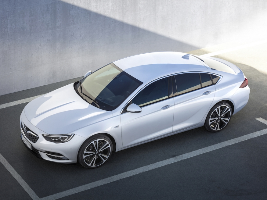large_article_Opel-Insignia-Grand-Sport-304402.jpg