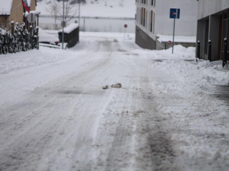 Od 15. novembra do 15. marca na slovenskih cestah obvezna zimska oprema