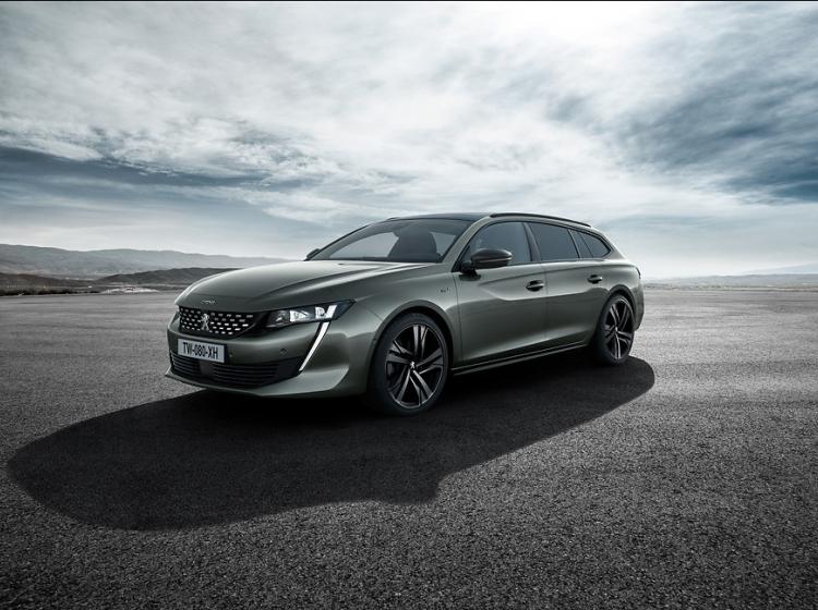 Peugeot v borbo segmenta D pošilja novega 508