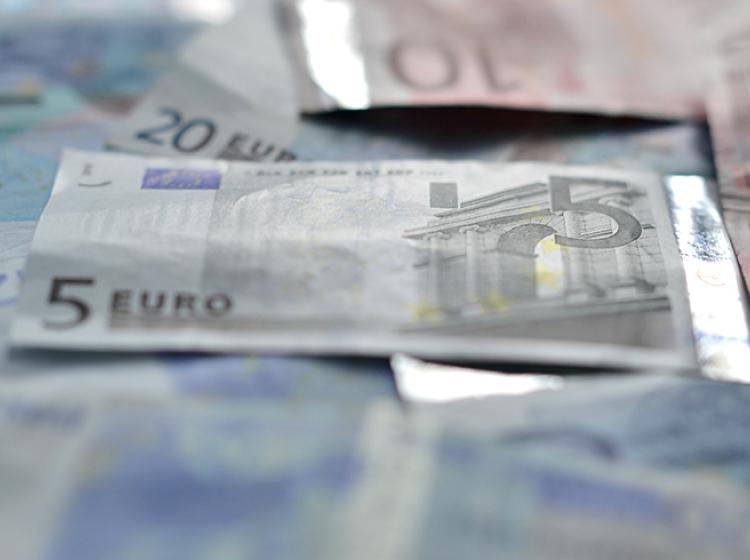 Slovensko upravno sodišče poslovalo v neskladju s predpisi